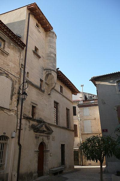 Photo du Monument Historique Mairie situé à Aramon