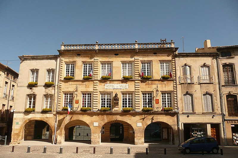 Photo du Monument Historique Mairie situé à Bagnols-sur-Cèze