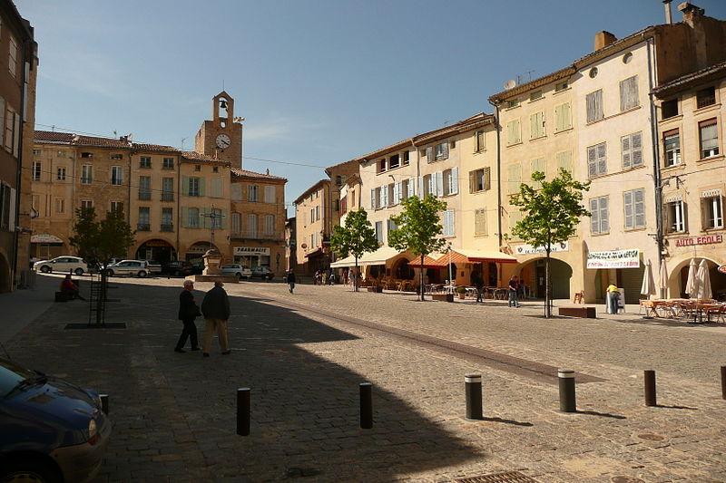Photo du Monument Historique Tour dite de l'Horloge situé à Bagnols-sur-Cèze