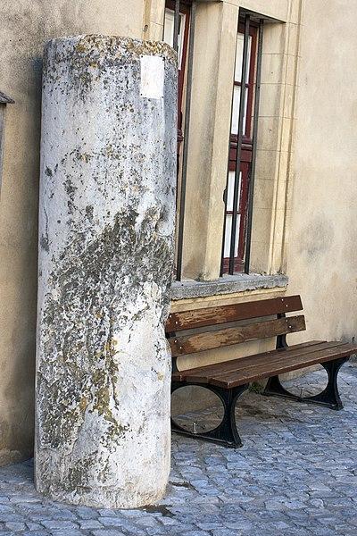 Photo du Monument Historique Borne milliaire au nom d'Auguste situé à Caveirac