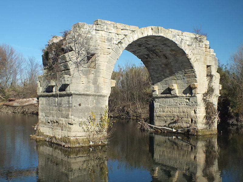 Photo du Monument Historique Via Domitia : Pont d'Ambrussum situé à Gallargues-le-Montueux