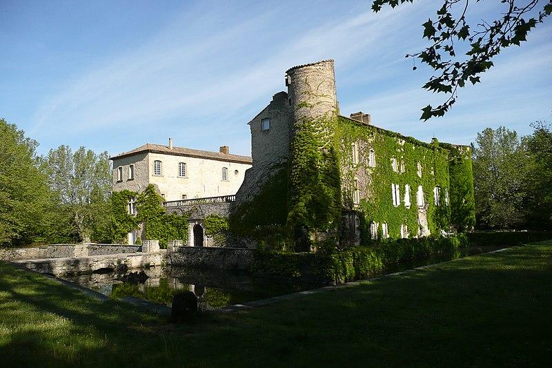 Photo du Monument Historique Château de Lascours situé à Laudun