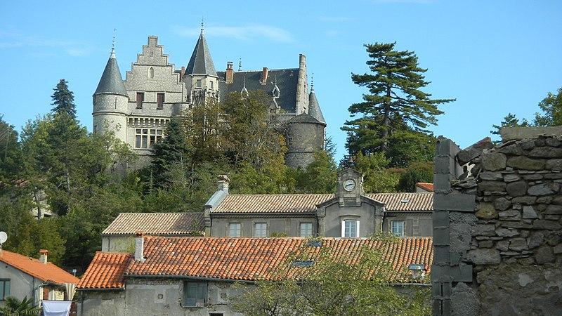Photo du Monument Historique Château situé à Montdardier