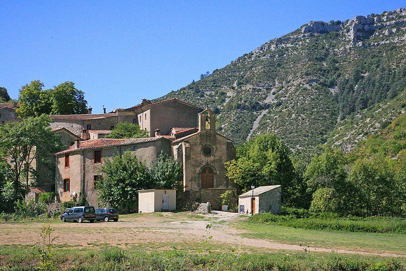 Photo du Monument Historique Château, église et presbytère situé à Navacelles