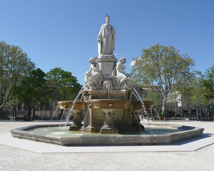 Photo du Monument Historique Fontaine de l'Esplanade, dite fontaine Pradier situé à Nîmes