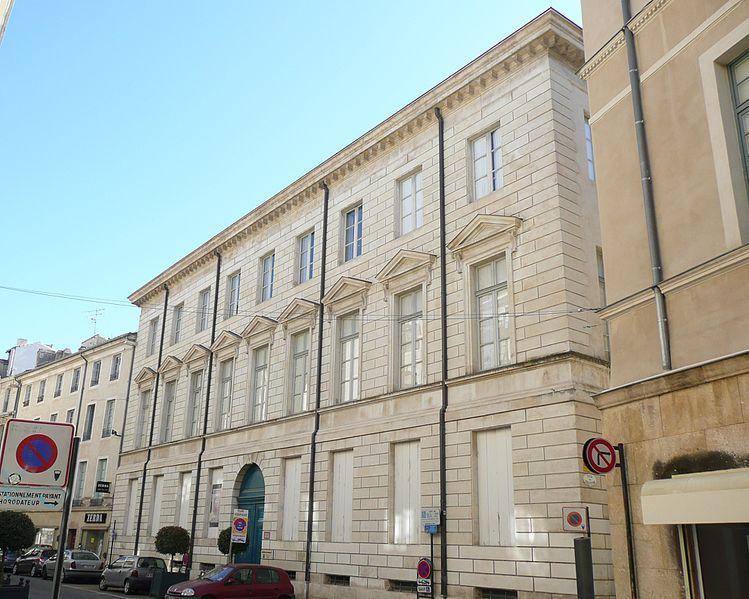 Photo du Monument Historique Ancien hôtel Rivet, ancienne préfecture, actuelle école des Beaux-Arts situé à Nîmes