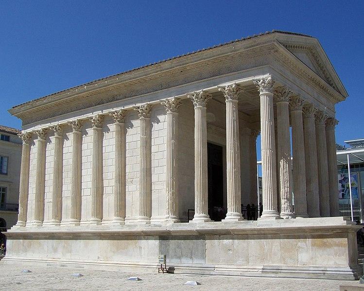 Photo du Monument Historique Maison Carrée situé à Nîmes