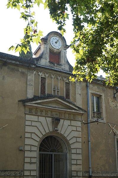 Photo du Monument Historique Hôpital, ancien Hôtel-Dieu, ancien monastère de la Visitation Sainte-Marie situé à Pont-Saint-Esprit