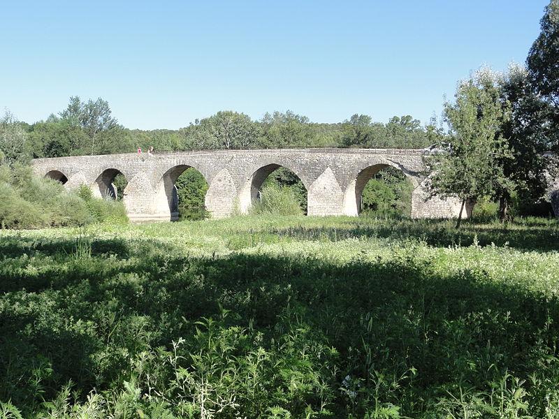 Photo du Monument Historique Pont Charles-Martel sur la Cèze situé à La Roque-sur-Cèze