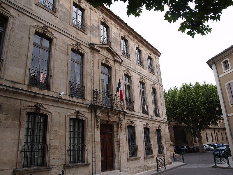 Photo du Monument Historique Hôtel de ville situé à Roquemaure