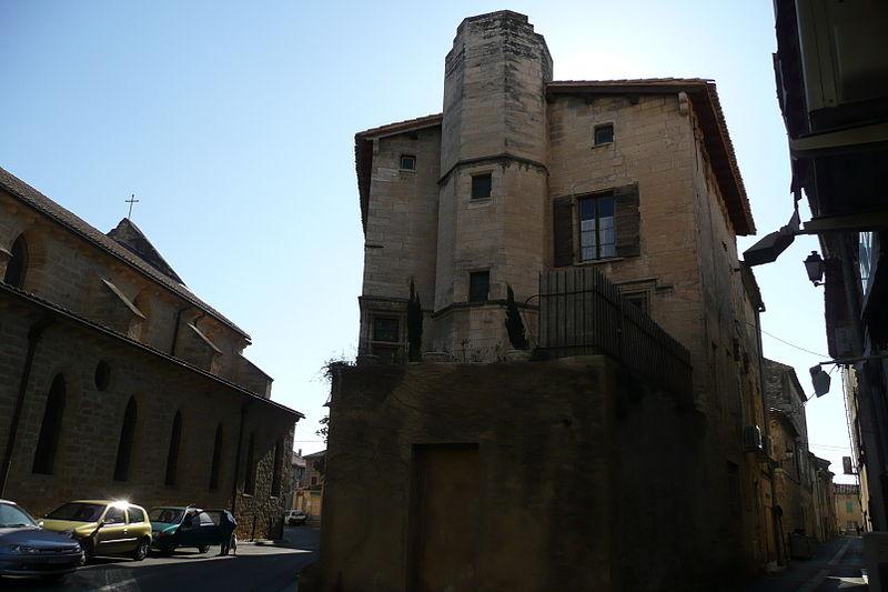 Photo du Monument Historique Maison du Cardinal situé à Roquemaure