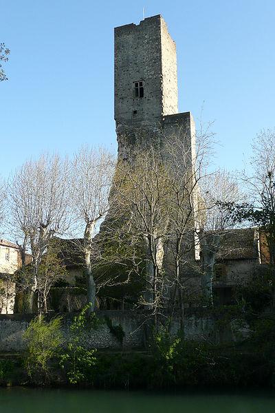 Photo du Monument Historique Tour carrée situé à Roquemaure