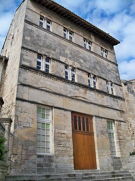 Photo du Monument Historique Maison romane situé à Saint-Gilles