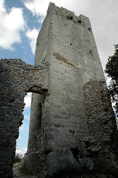 Photo du Monument Historique Ruines du château situé à Tornac