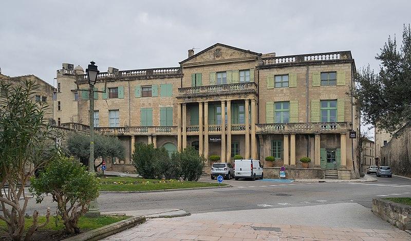 Photo du Monument Historique Hôtel de Castille situé à Uzès