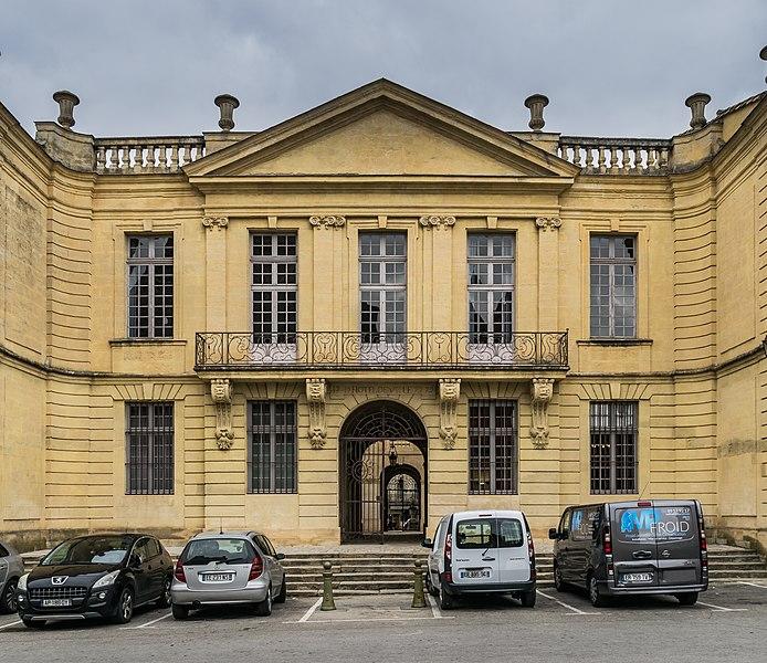 Photo du Monument Historique Hôtel de ville situé à Uzès
