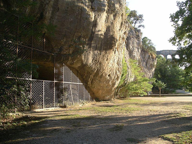 Photo du Monument Historique Abri préhistorique de la Salpétrière situé à Vers-Pont-du-Gard