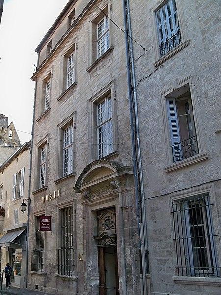 Photo du Monument Historique Hôtel Pierre de Luxembourg situé à Villeneuve-lès-Avignon