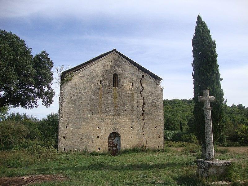 Photo du Monument Historique Ancienne chapelle Saint-Pierre situé à Vers-Pont-du-Gard