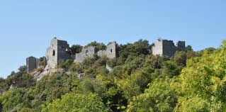 Photo du Monument Historique Ruines du château situé à Allègre