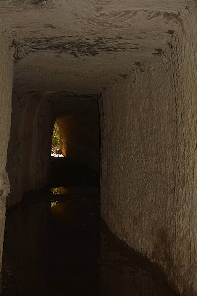 Photo du Monument Historique Aqueduc de Nîmes situé à Sernhac