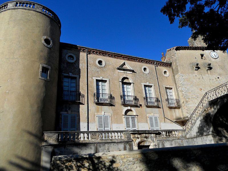 Photo du Monument Historique Tour de l'Horloge et Château de Lézan situé à Lézan