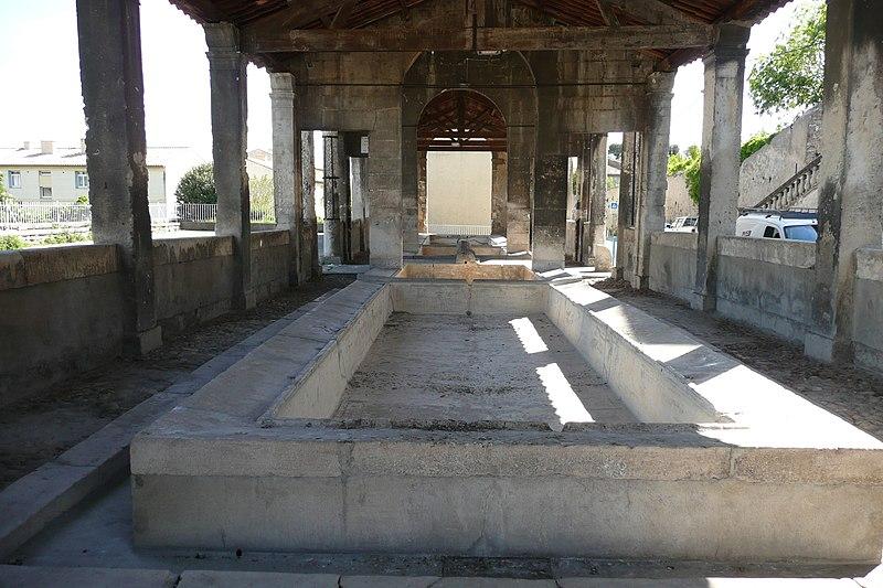 Photo du Monument Historique Lavoir situé à Pont-Saint-Esprit