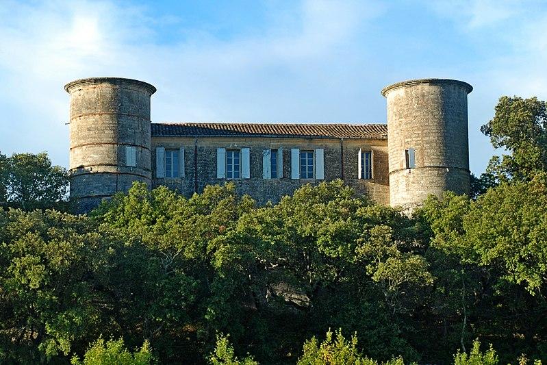 Photo du Monument Historique Château d'Aujargues situé à Aujargues