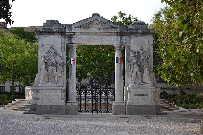 Photo du Monument Historique Monument aux morts de la guerre de 1914-1918 situé à Nîmes