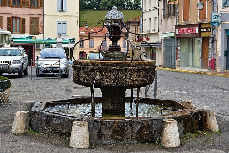Photo du Monument Historique Fontaine situé à Aspet