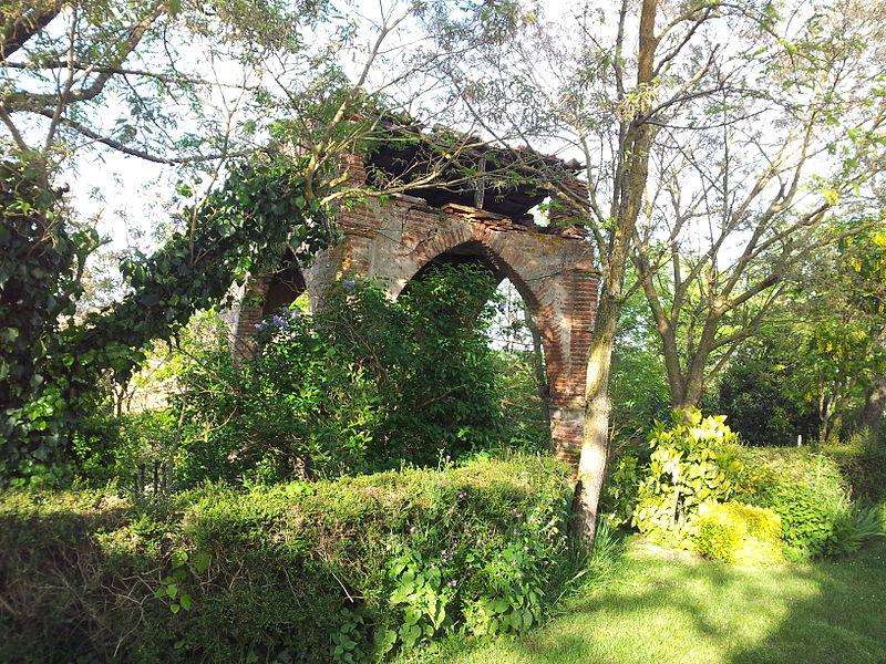 Photo du Monument Historique Pigeonnier situé à Caignac