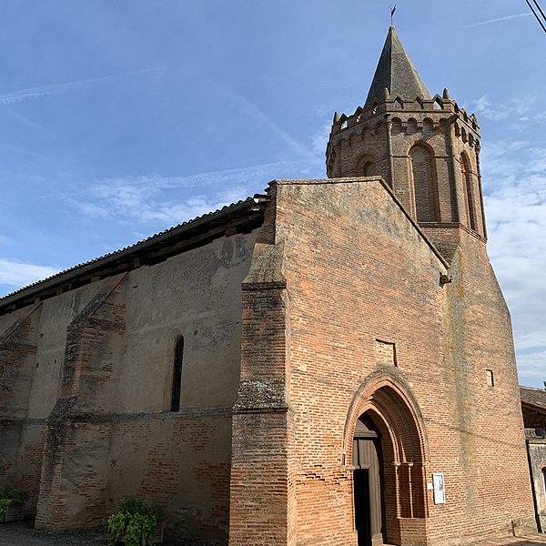 Photo du Monument Historique Eglise de Larmont situé à Le Castéra