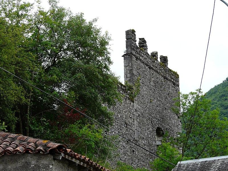 Photo du Monument Historique Château-fort situé à Galié