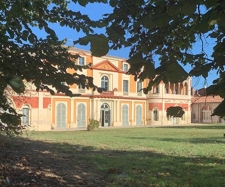 Photo du Monument Historique Maison dite Maison du Barry situé à Lévignac