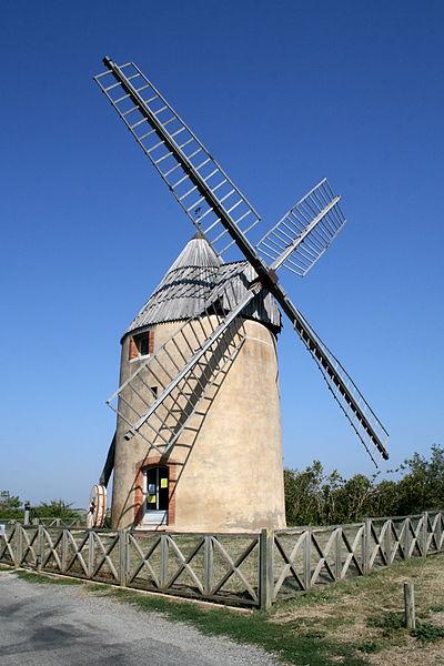 Photo du Monument Historique Moulin à vent situé à Montbrun-Lauragais