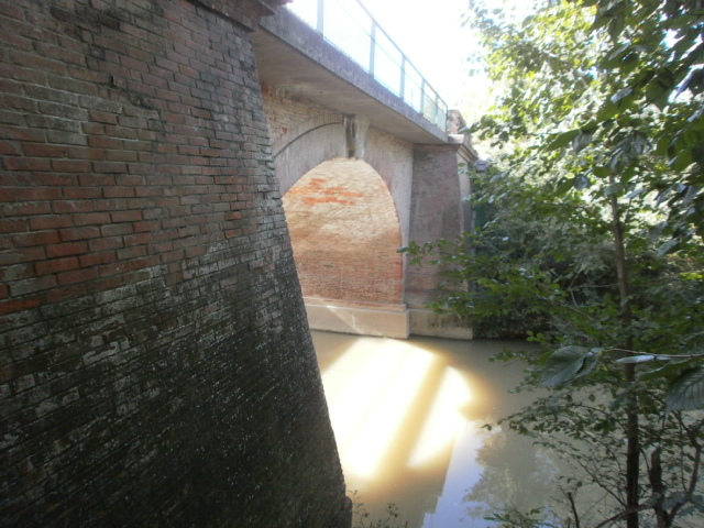 Photo du Monument Historique Pont sur le Touch situé à Plaisance-du-Touch