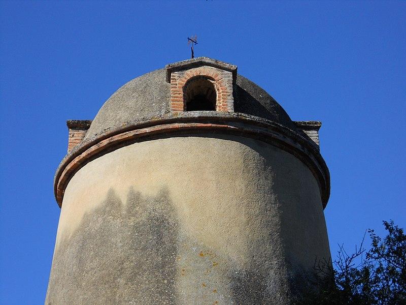 Photo du Monument Historique Pigeonnier situé à Pompertuzat