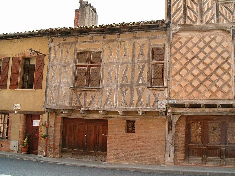 Photo du Monument Historique Maison à pans de bois situé à Rieux-Volvestre