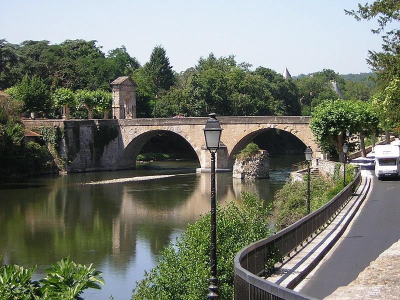 Photo du Monument Historique Pont, porte de pont et porte de ville situé à Saint-Martory