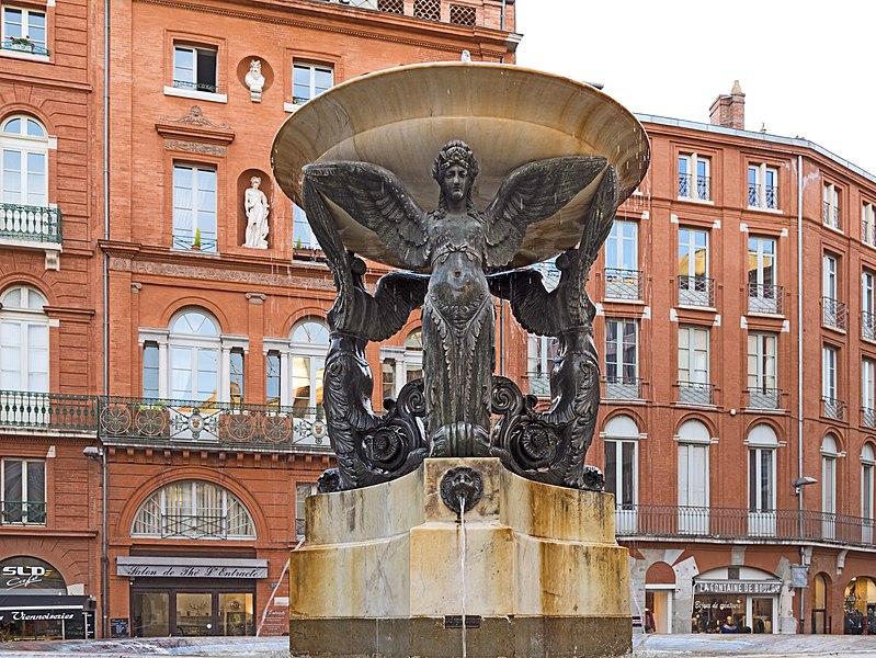 Photo du Monument Historique Fontaine de la Trinité situé à Toulouse