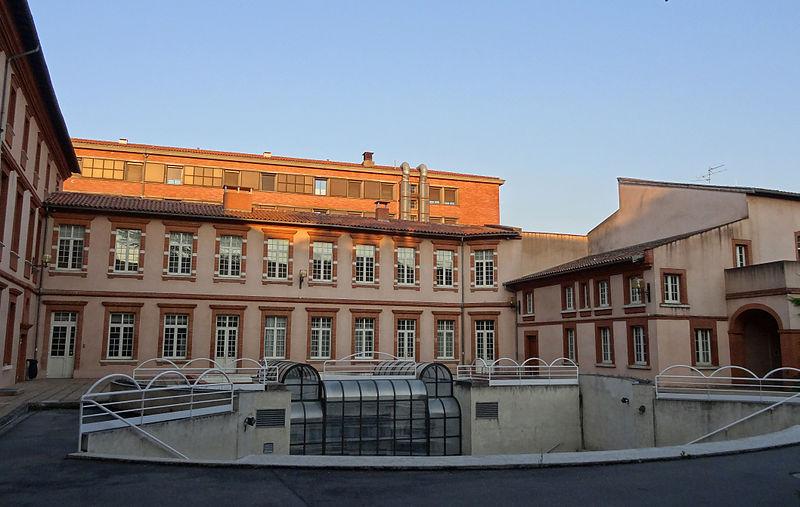 Photo du Monument Historique Ancien hôpital Larrey situé à Toulouse