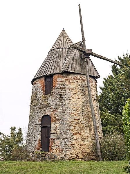 Photo du Monument Historique Moulin à vent, dit En Carretou situé à Mascarville