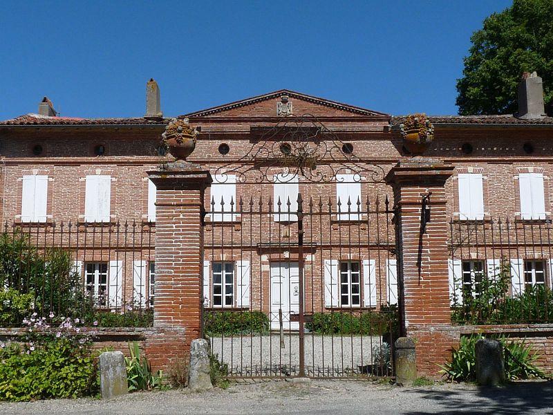 Photo du Monument Historique Château situé à Mauvaisin