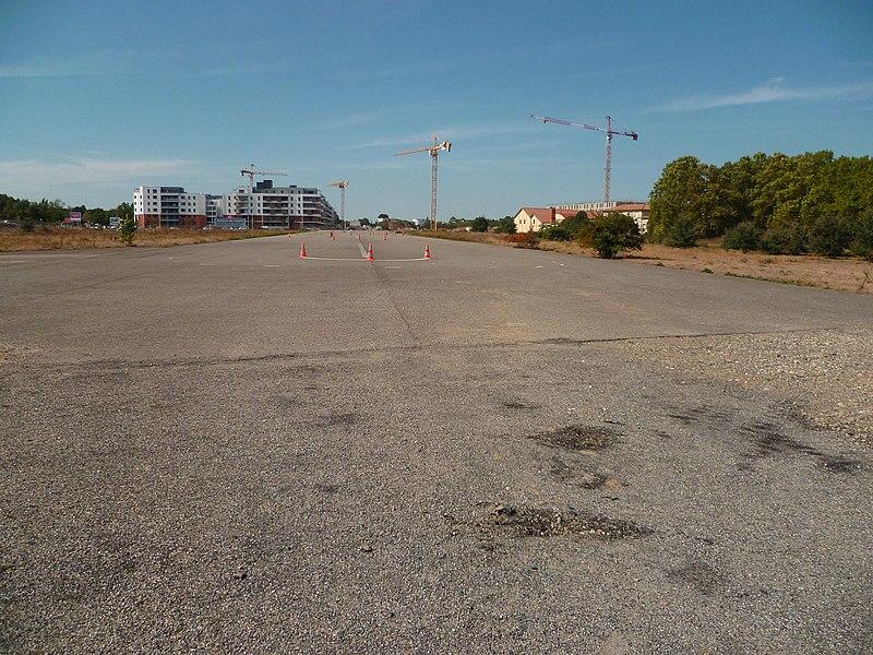 Photo du Monument Historique Usine aéronautique Latécoère de Montaudran situé à Toulouse
