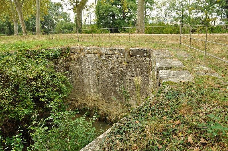Photo du Monument Historique Canal du Midi : Aqueduc de la Joncasse situé à Deyme