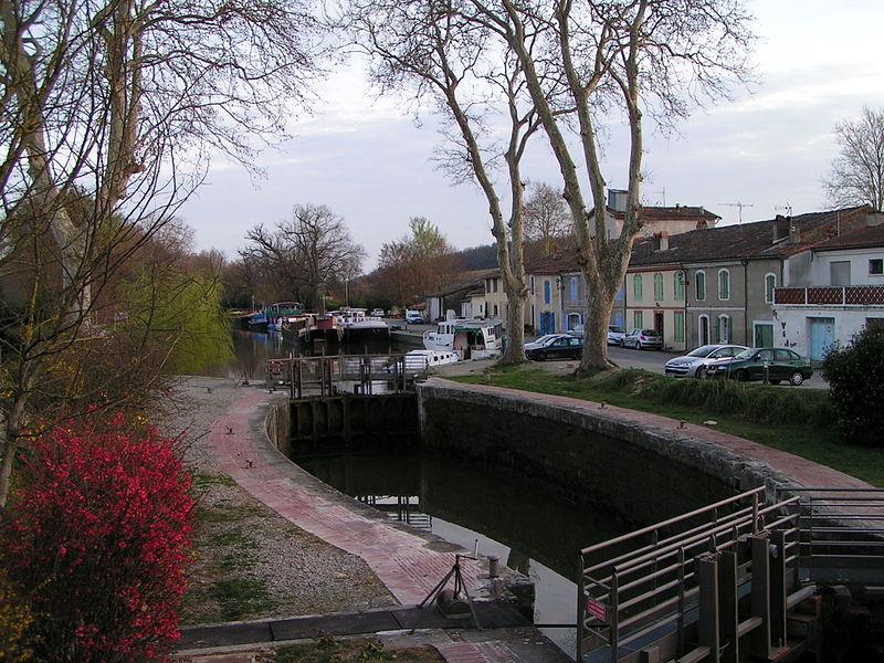 Photo du Monument Historique Canal du Midi : Ecluse, pont et maison éclusière de Gardouch situé à Gardouch