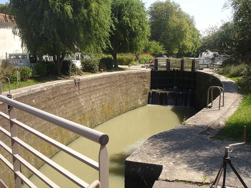 Photo du Monument Historique Canal du Midi : Ensemble éclusier de Négra et ses annexes hôtelières situé à Montesquieu-Lauragais