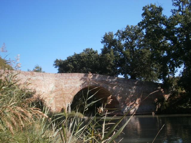 Photo du Monument Historique Canal du Midi : Pont d'En Serny situé à Montesquieu-Lauragais