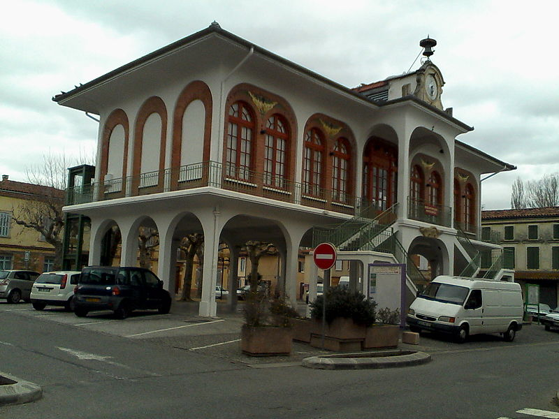Photo du Monument Historique Halle-mairie, actuellement bibliothèque municipale situé à Longages
