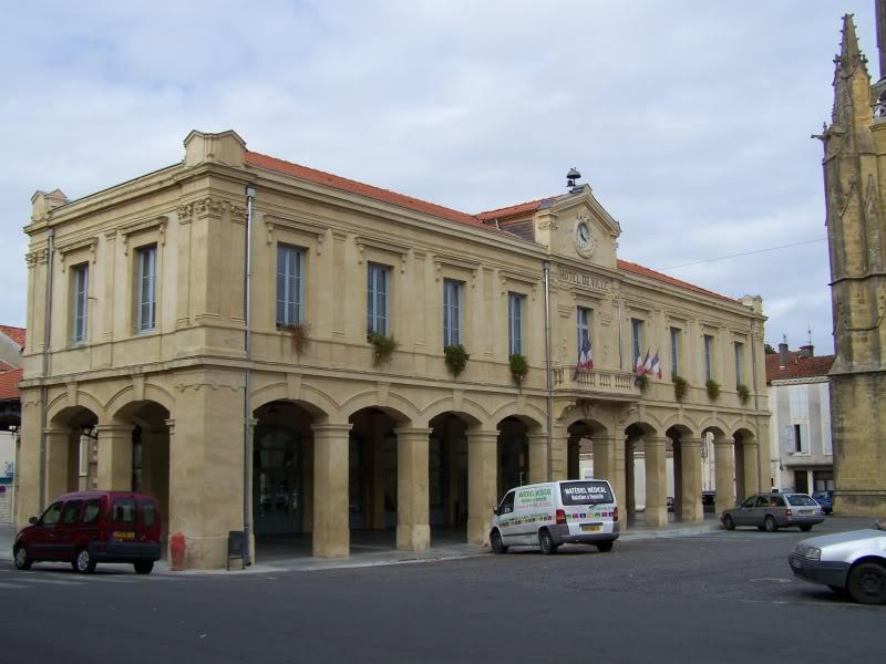Photo du Monument Historique Halle-mairie situé à Boulogne-sur-Gesse